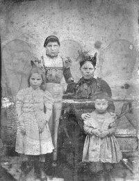 tante Ma (Emma Vanthuyne), grootmoeder Rosalie Vanthuyne, Valentine De Nolf en Albertine De Nolf